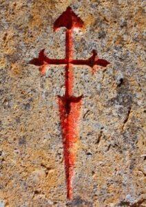 Croce di santiago su una parete